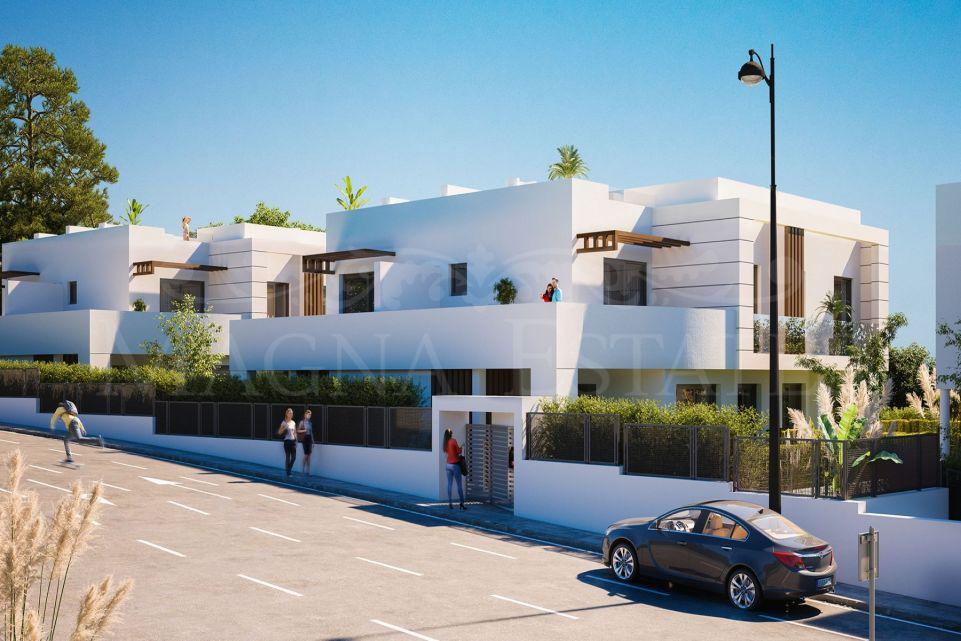 Adosado de nueva construcción en Cancelada, Estepona