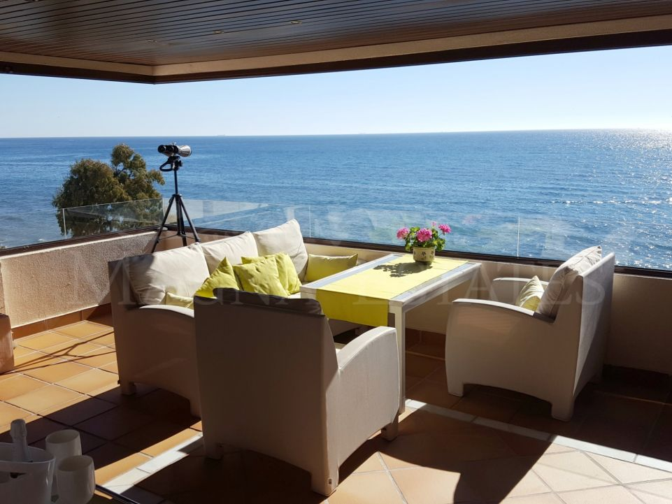 Exclusivo apartamento en primera línea de playa en la Nueva Milla de Oro