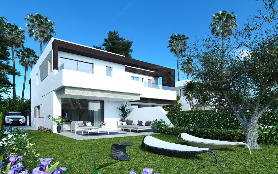 Charming newly built semi-detached villa in La Resina Golf, Estepona