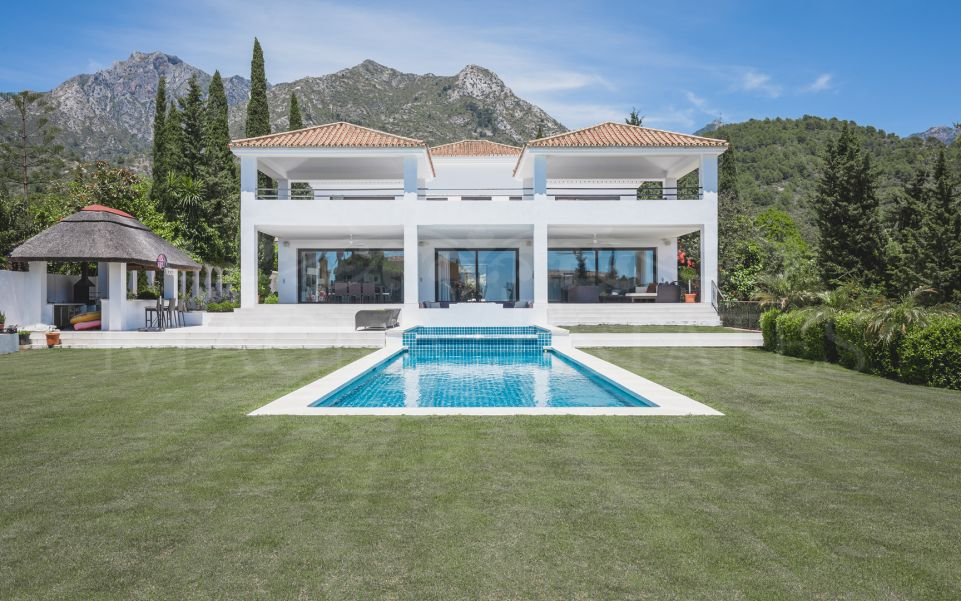 Completely renovated villa in Cascada de Camoján, Marbella Golden Mile
