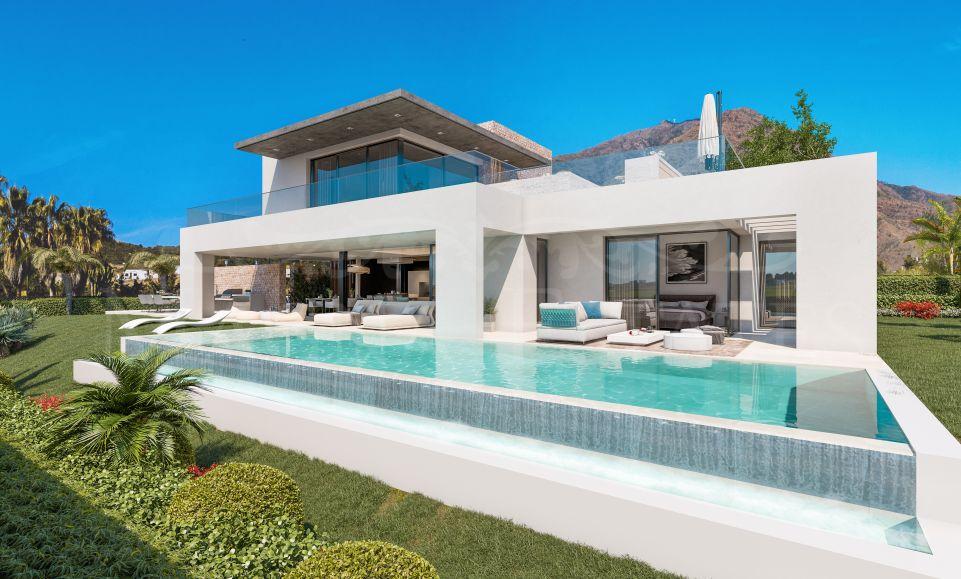 Newly built villa with sea views in Estepona