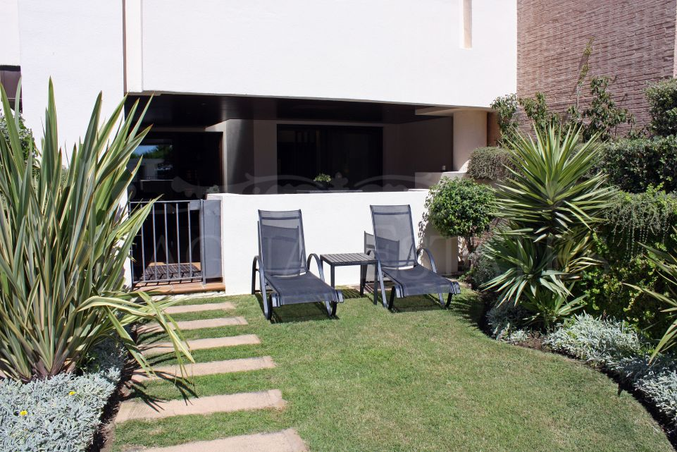 Ground floor apartment on the beachfront in Estepona