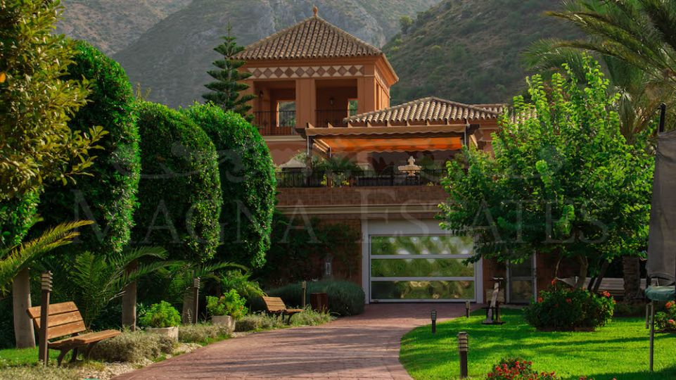 Impressive finca with mansion just 1 km from Istán and 10 minutes from Marbella
