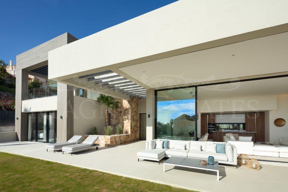 Exclusive and luxurious villa in La Cerquilla, Nueva Andalucia