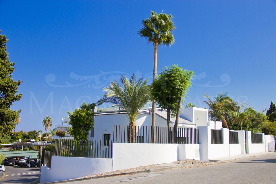 Maravillosa villa reformada en Guadalmina Alta, Marbella