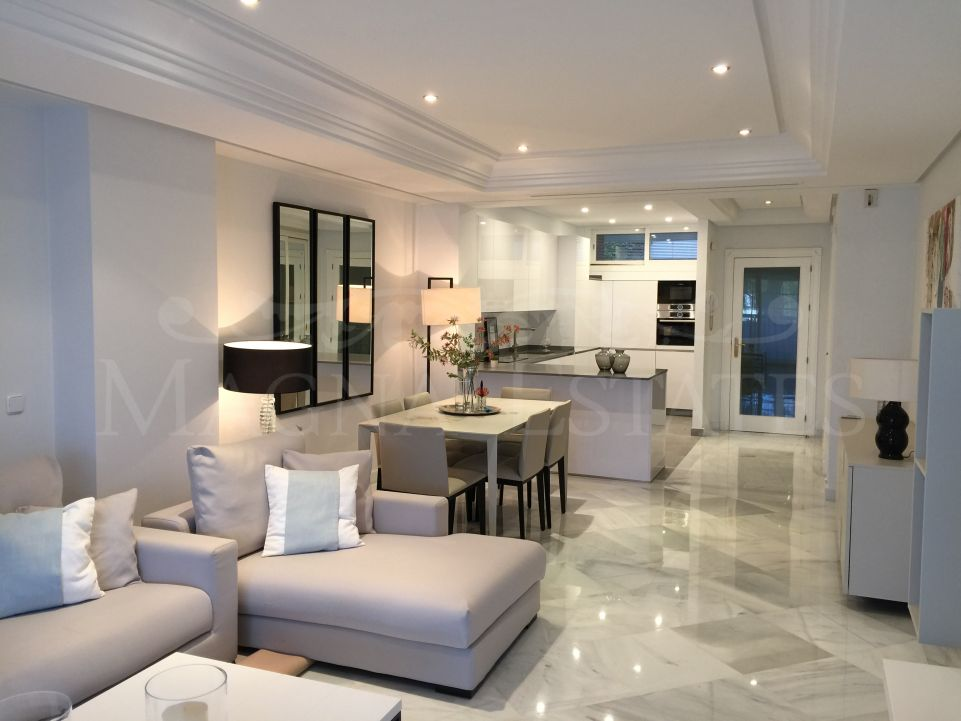Fabulous first line beach apartment on the Golden Mile, Marbella