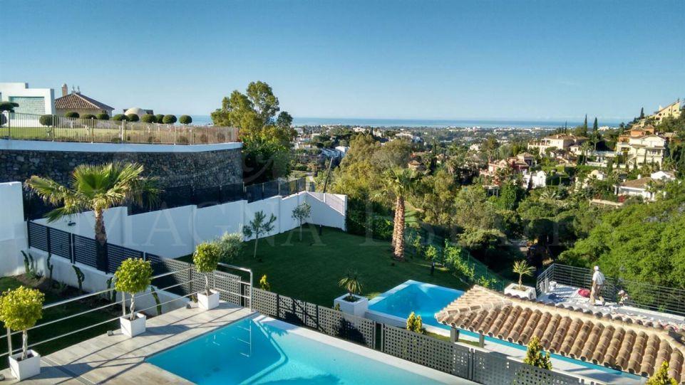 Espectacular villa contemporánea en La Quinta, El Herrojo