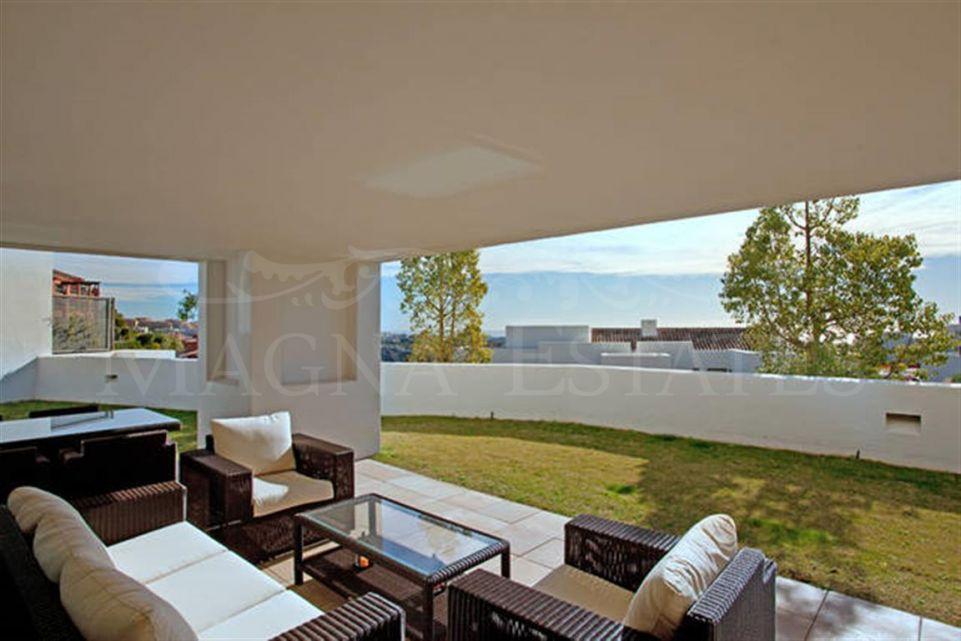 Apartamento en planta baja en Alanda, Los Flamingos. entre Marbella y Estepona