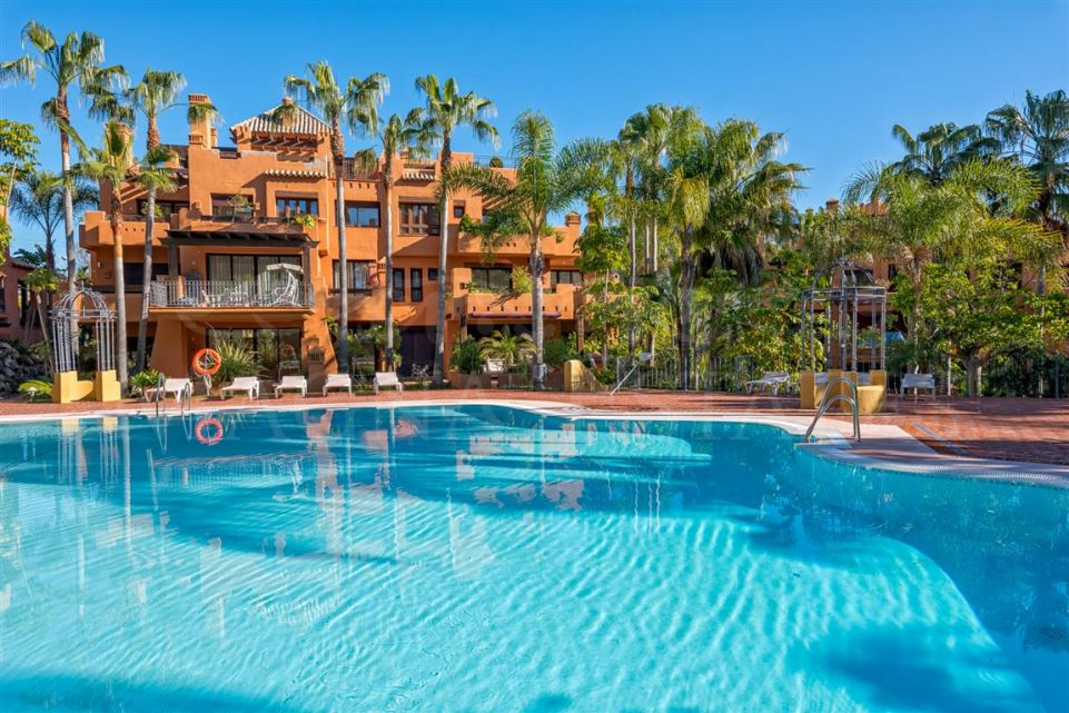 3 bedroom apartment in La Alzambra Hill Club, next to Puero Banús
