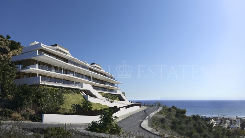 Development located in Marbella with 2-, 3- and 4-bedroom units and usable footages ranging from 180m2 to 420m2