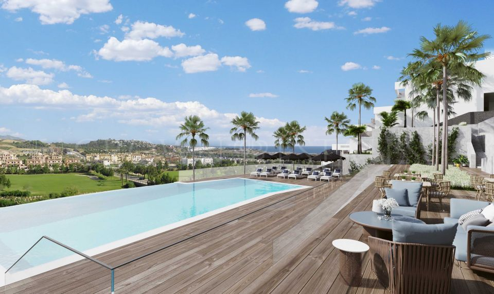 32 apartments within an already consolidated gated golf complex. Probably thebest position in La Cala de Mijas. Excellent communal areas and all amenities,shops, bars and restaurant of Cala de Mijas in walking distance. Tranquility desire ...