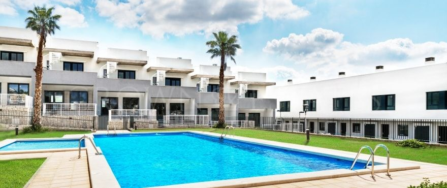 Kiruna Residencial, modern townhouses in Alenda Golf, just a few minutes from Elche.