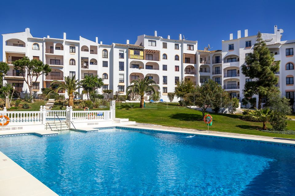 Delta Mar Suites, key-ready apartments near the sea in Mijas Costa