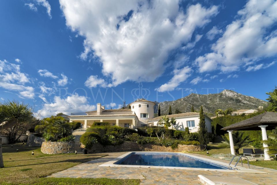 Stunning and private 7 bedroom south facing family home in Sierra Blanca