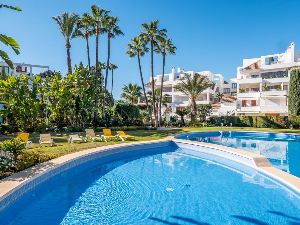 Luxurious and Modern Penthouse in, Nueva Andalucia,Marbella