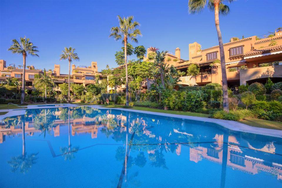 High end apartment in luxury urbanization