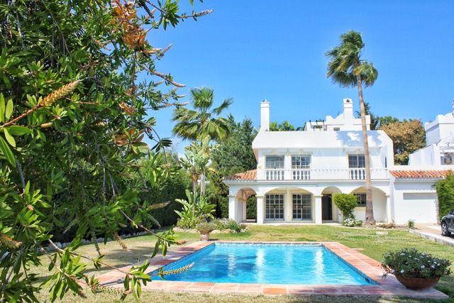 Great Family Villa in Bel Air