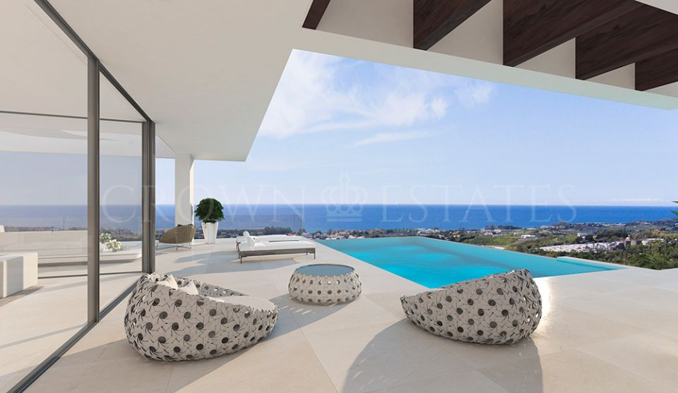 Villa for sale in Selwo, Estepona