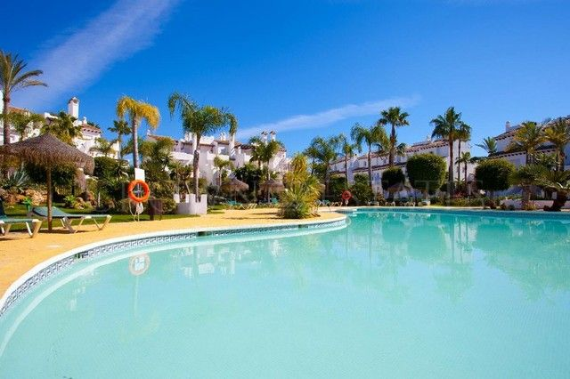 House for sale in Costalita, Estepona