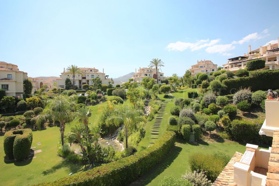 Apartment for sale in Los Capanes del Golf, Benahavis