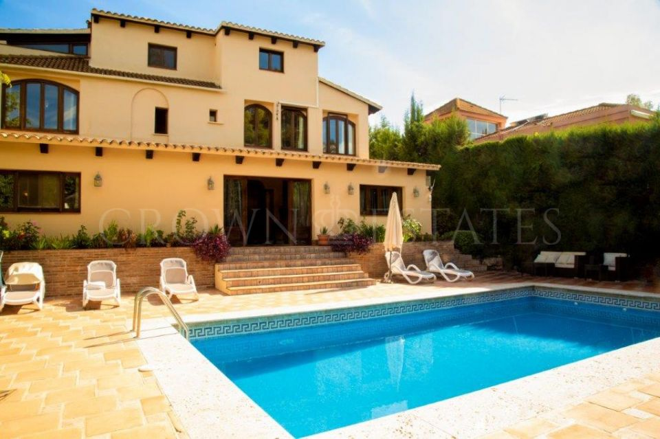 Fantastic villa located in one of the best áreas of Nueva Andalucia, Marbella