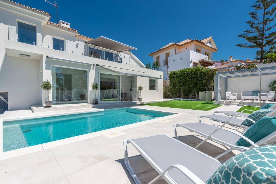 Villa with sea views in Estepona