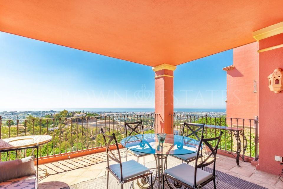 Exclusive Apartment in Monte Halcones