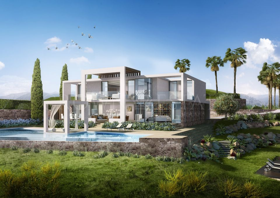 Villa for sale in Santa Clara, Marbella East