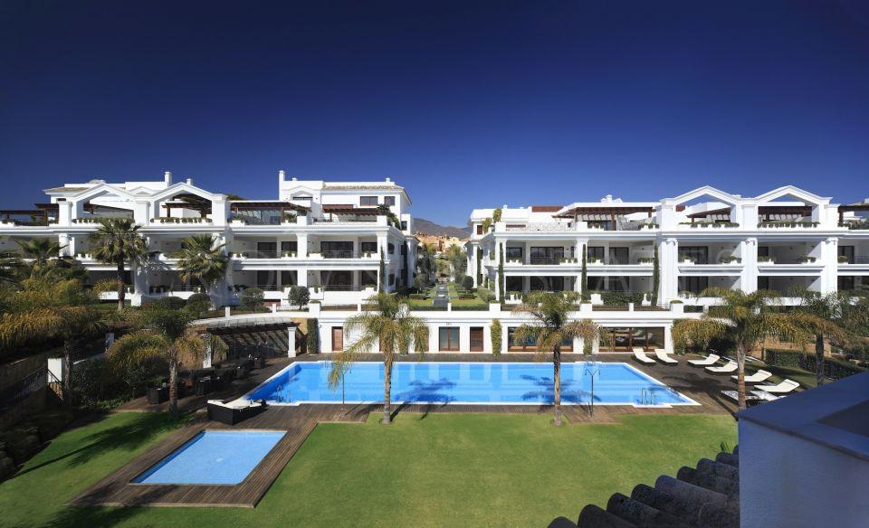 Apartment for sale in Estepona Puerto