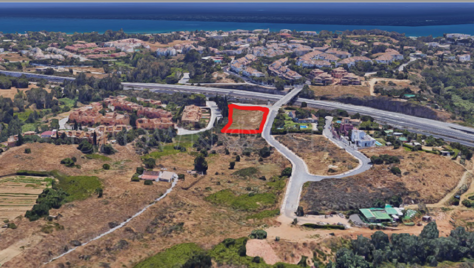 Plot for sale in Altos de Puente Romano, Marbella Golden Mile