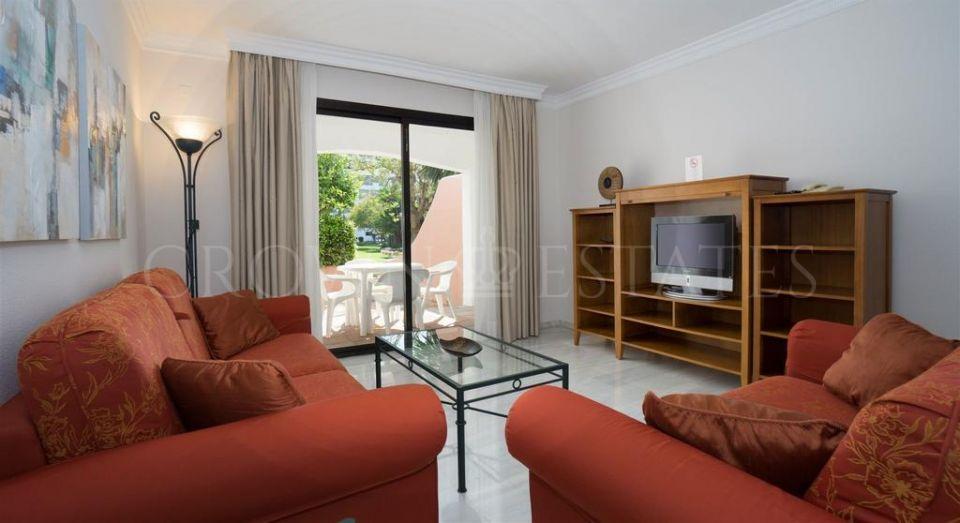 Apartment for sale in Jardines del Puerto, Marbella - Puerto Banus