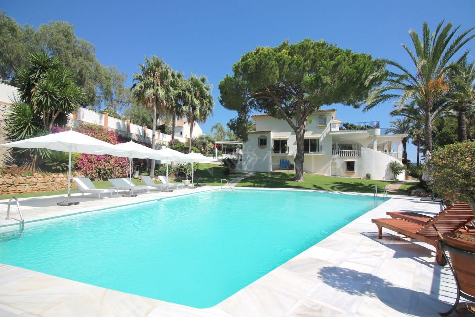 Villa in Rio Real Golf, Marbella East