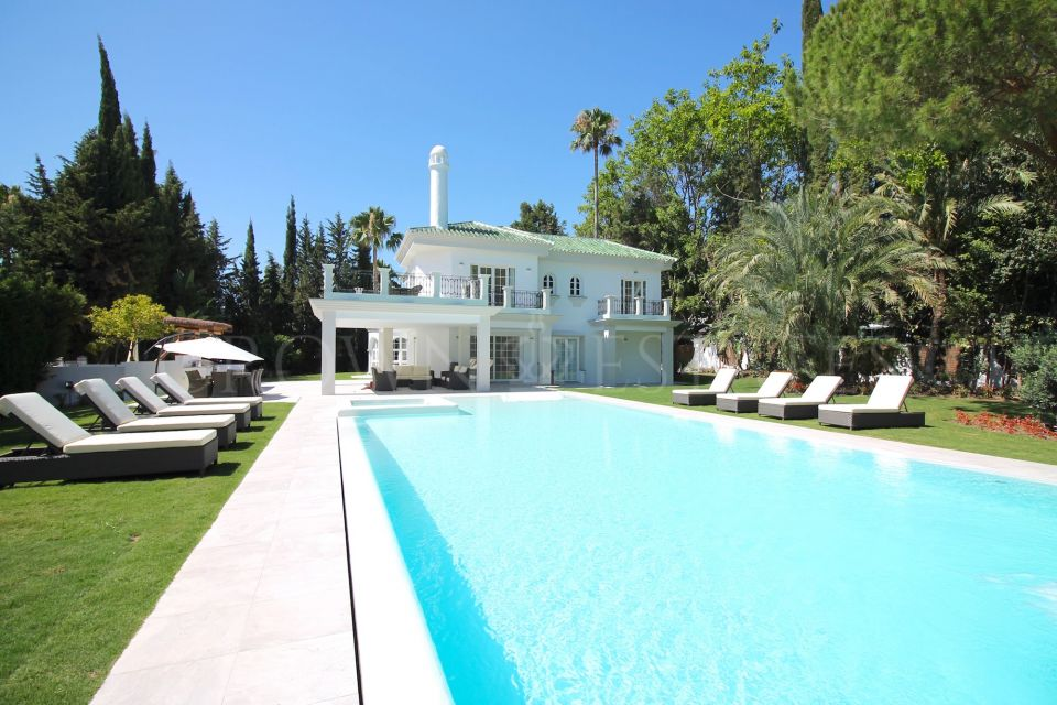 Villa for rent in Parcelas del Golf, Nueva Andalucia