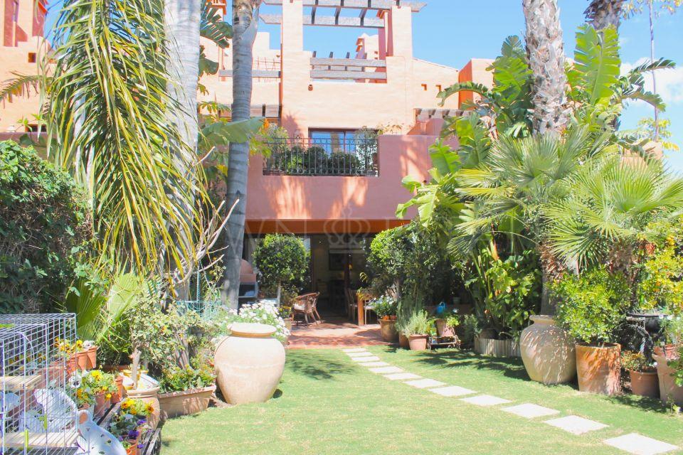 Town House for sale in Altos de Puente Romano, Marbella Golden Mile