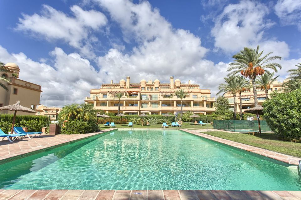 Apartment for sale in Los Flamingos Golf, Benahavis