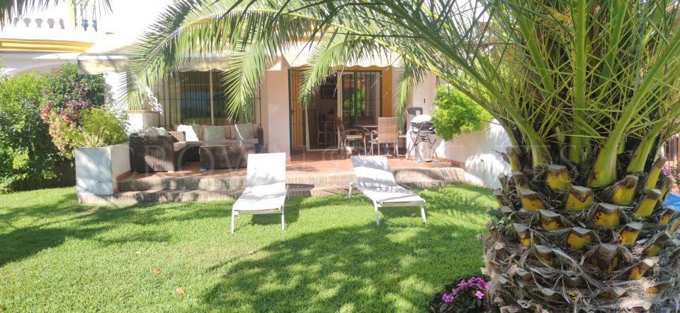 Frontline beach 5 bedroom townhouse. Great Investment opportunity . San Pedro de Alcantara