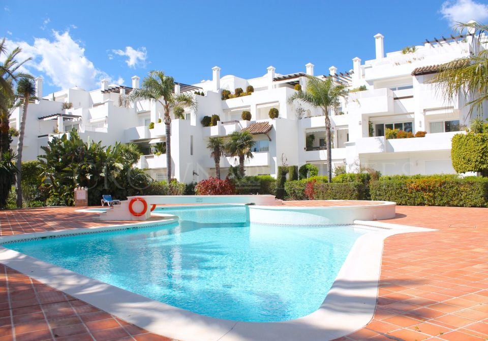 2 bedroom apartment located in Marbella Golden Mile 200 metrs from the beach