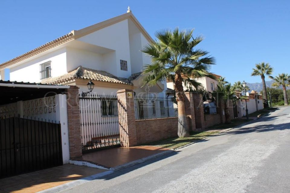 5 bedrooms villa situated in el Rosario 200 meters to the beach