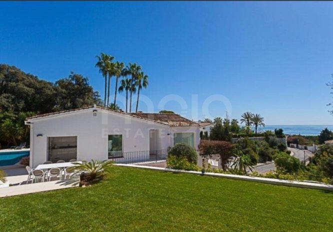 Villa til salg i El Rosario, Marbella Este