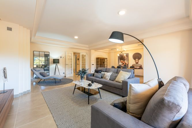 ATTRACTIVE CONTEMPORARY 4 BEDROOM PENTHOUSE APARTMENT IN SOTOGRANDE