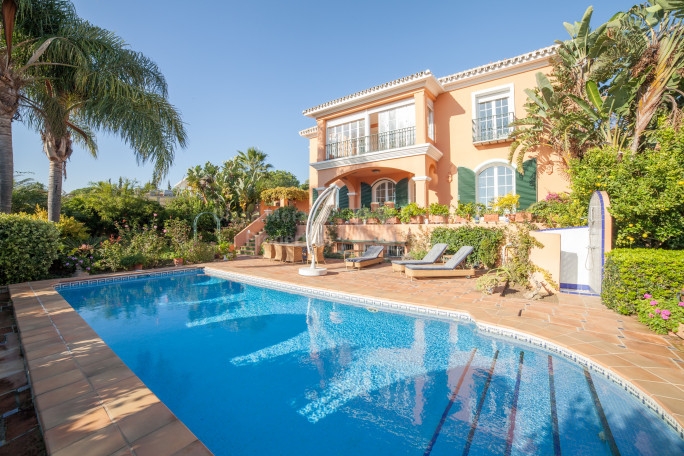 Marbella East, Rustic Beachside Villa in Marbella East