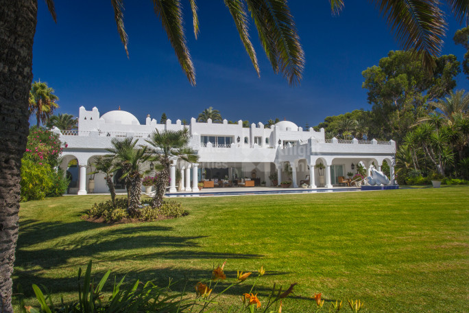 Marbella East, Unique and Stunning Beachfront Estate