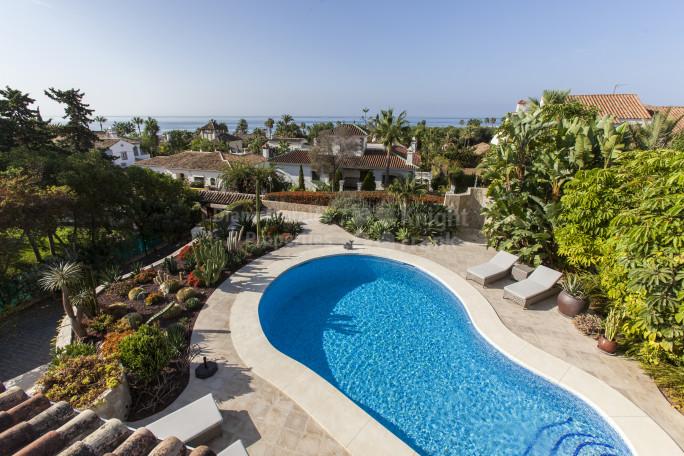 Marbella East, Amazing Villa With Sea Views