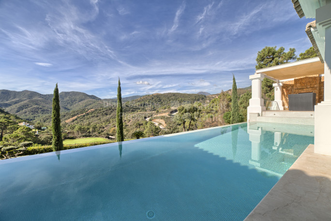 Benahavis, Contemporary Villa in Tranquil Setting in La Zagaleta