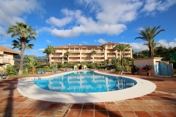 Marbella East, Fabulous Very Spacious Apartment by Rio Real Golf Course