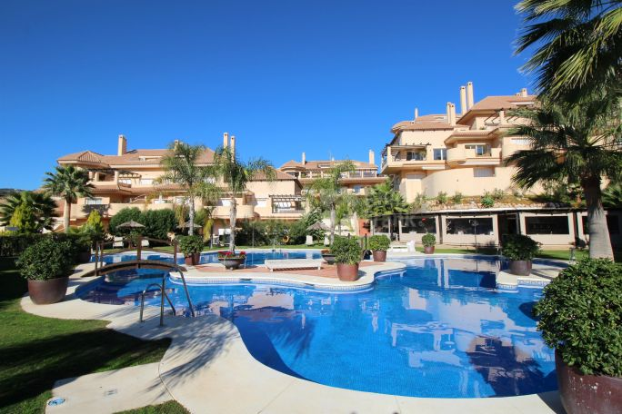 Elegant Apartment In Aloha Valley - Ground Floor Apartment for sale in Nueva Andalucia