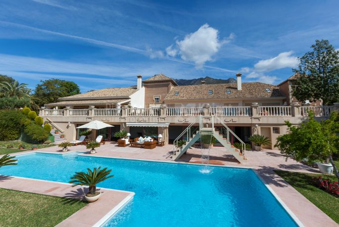 Marbella Golden Mile, Outstanding Residence With Spectacular Views