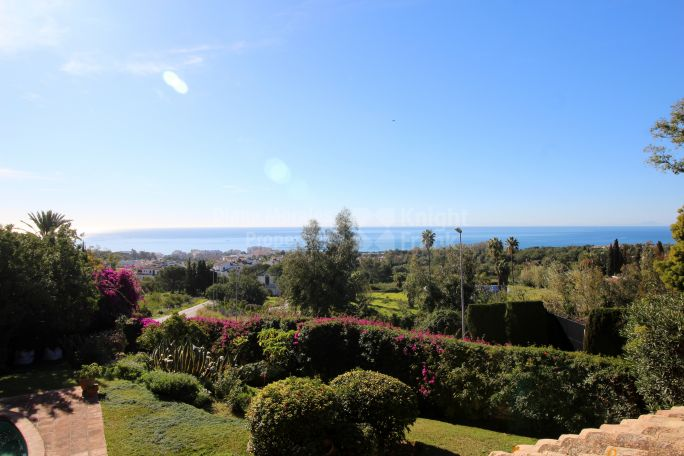 Marbella Golden Mile, Villa with Sea Views