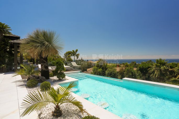 Stunning Contemporary Jewel - Villa for sale in Cascada de Camojan, Marbella Golden Mile