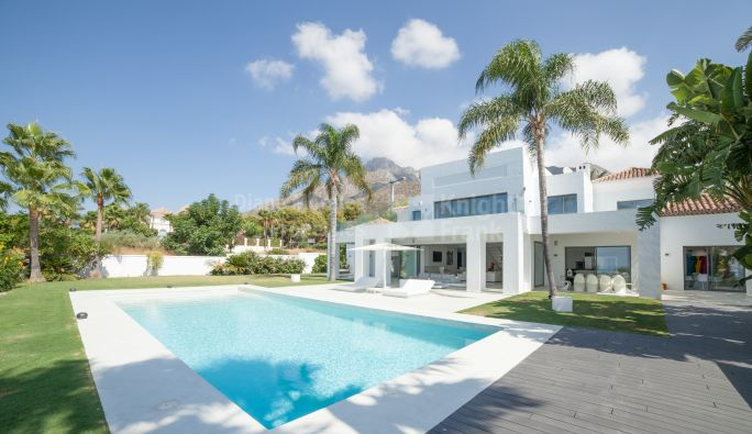 Marbella Golden Mile, Top Quality Villa In Sierra Blanca